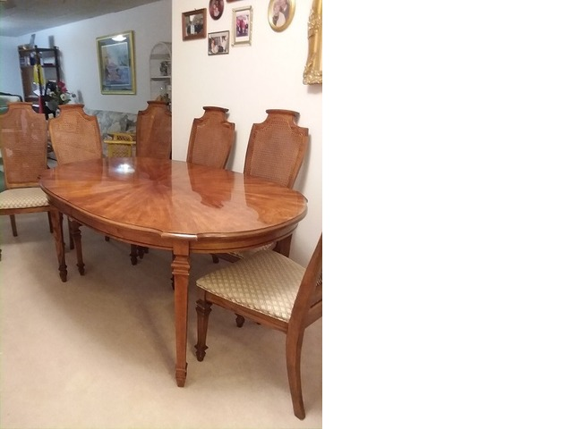 Dining Table In Mcpherson County Kansas